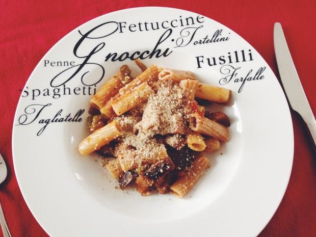 Eggplant Bucatini from Vegan Italiano | De Groene Keuken