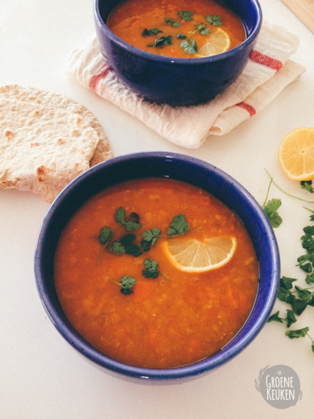 Dalsoep met rode linzen en wortel | De Groene Keuken