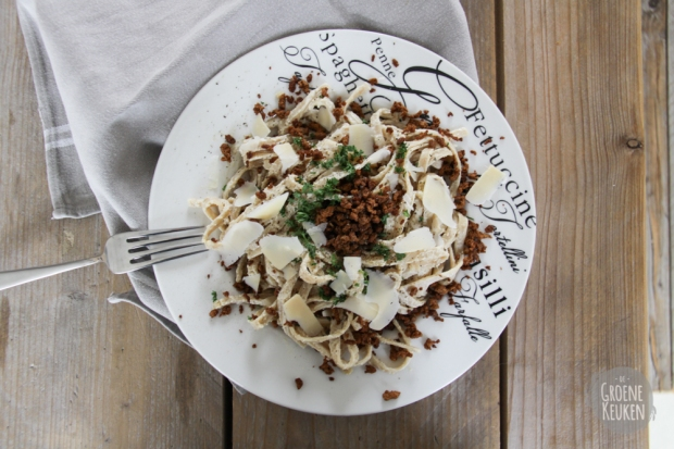 Fettuccine Alfredo from The Happy Herbivore |De Groene Keuken