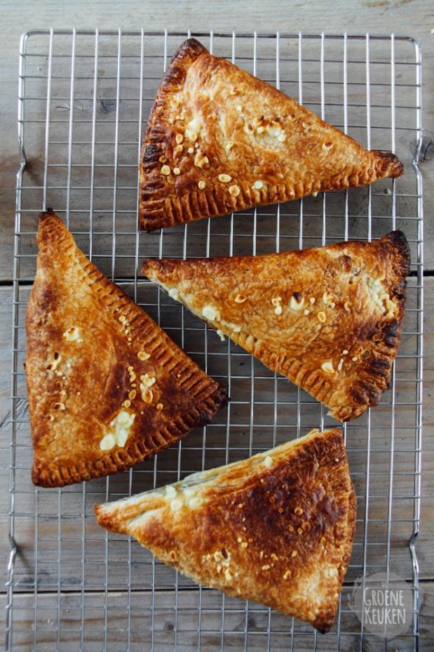 Vegan Kaasbroodjes |De Groene Keuken