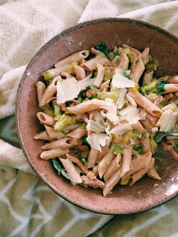 RECEPT: Vegan pasta met prei en spekjes in roomsaus / Vegan carbonara